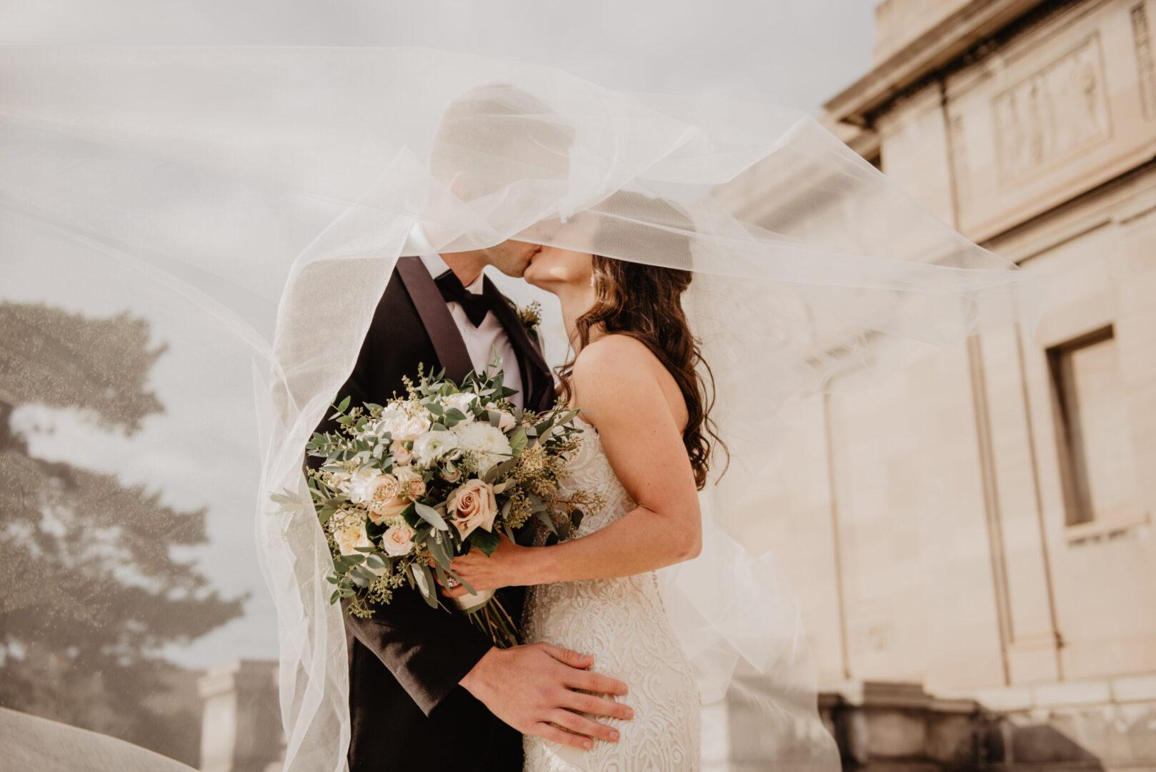 ΑΣΤΡΟΛΟΓΙΑ ΜΕ ΑΠΛΕΣ ΠΡΑΞΕΙΣ –  Κλασικές ενδείξεις γάμου σε γενέθλιο θέμα